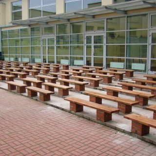 Ławki stadionowe drewniane