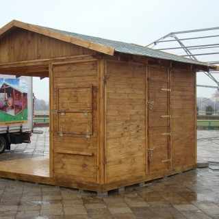 Domek drewniany w formie pawilonu handlowego