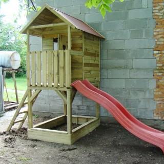 Domek dla dzieci na wysokości